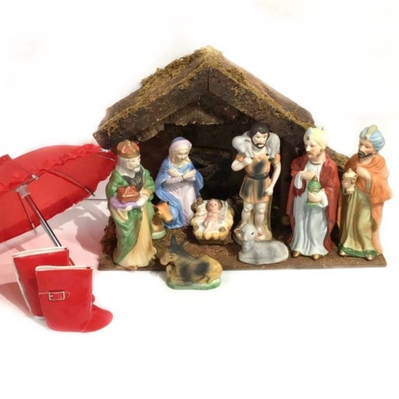 """10 piece Nativity Set Standing figures are 8"""" tall"""